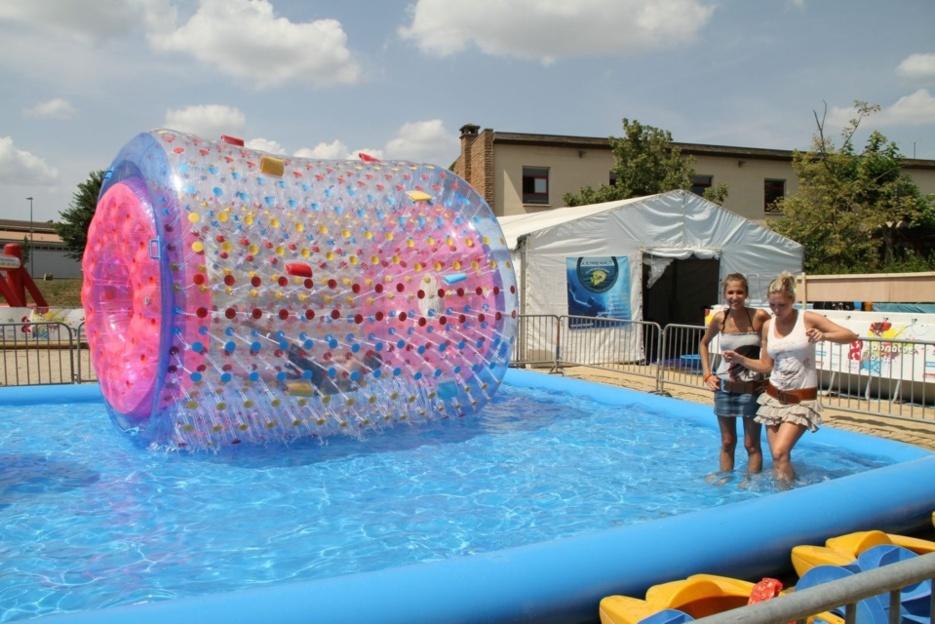 Animer vos évènements à Lyon avec une structure gonflable sur l'eau !