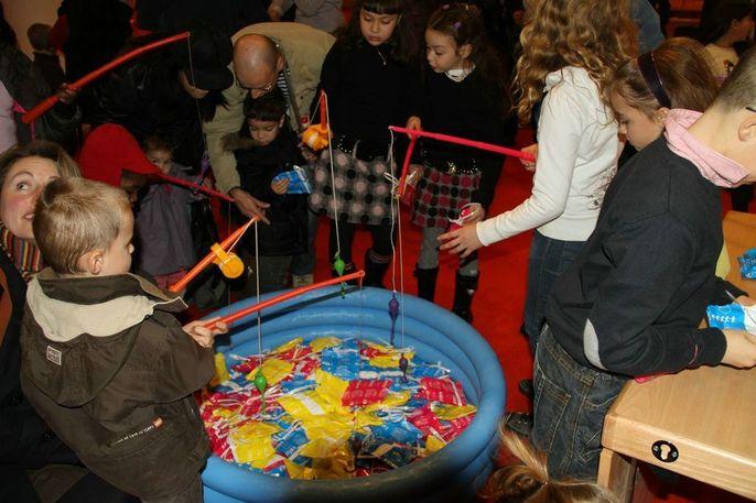 Pêche aux Sacs - Piscine Gonflable 200 lots