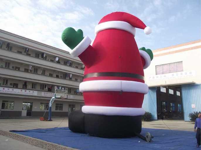 Père Noel Gonflable