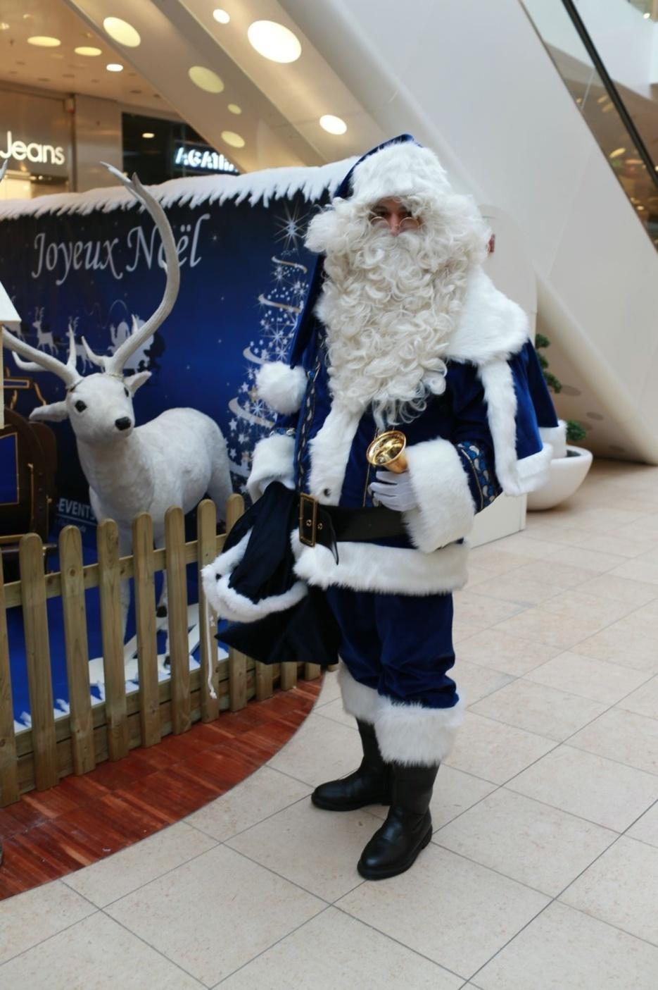 Un Noël bleu à Confluence imaginé par Prom Events (pour Pack Event Organisation)